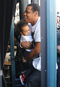 Beyonce & Jay Z Take Blue Ivy To Lunch